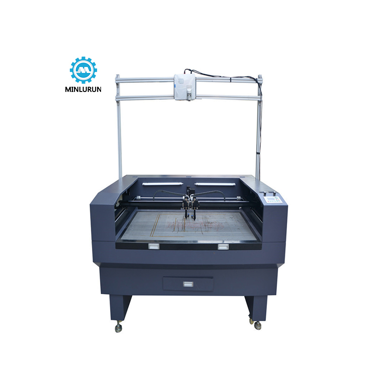 18 Years Factory Silk Screen Wristband - Dual Head Textile Fabric Fly Knit Shoe Upper Laser Fabric Cutting Projector Locate Machine With CCD Camera – Yingrun